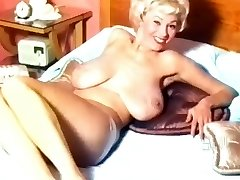 Georgia Holden- 50's Nudie Beauty