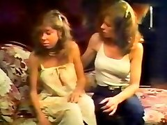 Retro Blonde Babe Tawny Clittie