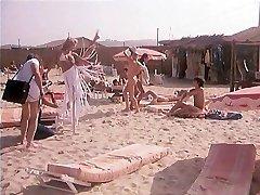 Dans Le Chaleur De St Tropez (1981)