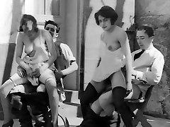 L'heure du the (1920s)