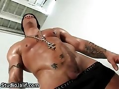 Muscled gay hunk Rob Diesel jerking part2