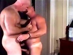 2 bears tght hole