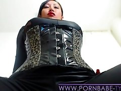 PornbabeTyra giving you masturbate off instruction