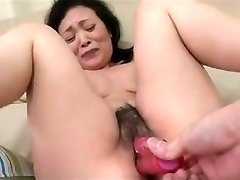 55yr senior Granny Kayoe Ozawa Splashes and Creamed (Uncensored)