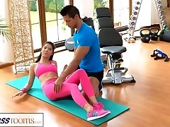 FitnessRooms Gym schoolteacher pulls down her yoga pants for lovemaking