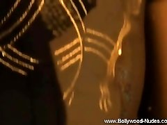 Indian Lady Flash Her Puffies