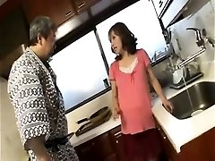 Horny knocked up housewife gives deep throat