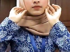 Hot Sumptuous Malay Hijab