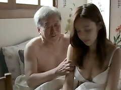 socrul coreean și-o trage cu soția fiului său