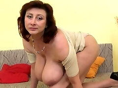 Brunette milf dildo with popshot