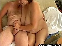 Chubby mature amateur wife sucks and drills