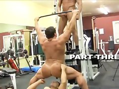 Bodybuilders get horny at the gym!