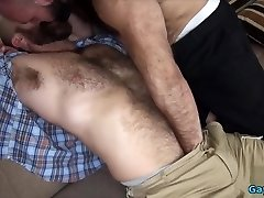 Hairy bear bareback with cumshot