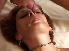 Sandy-haired mom fucked on sofa - Telsev