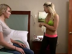 Romantic ladyboy Aspen Brooks gets her backdoor jammed and jerks off her own rod
