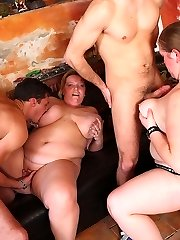 The BBW hook-up starts off with people getting naked and spears being sucked by horny chubs