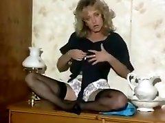Debbie jordan de-robe.