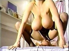 Chessie Moore Pussy-smothering