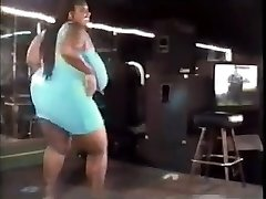 antique plus-size dancing