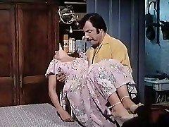 Blanche fesse et les 7 mains (1978)