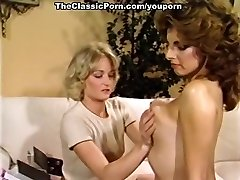 Experiencing first all girl orgasm