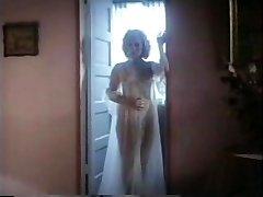 Nepremagljiv - 1982 Letnik Celoten Video