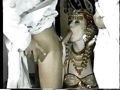 MELANIE Monro - Arābu DP