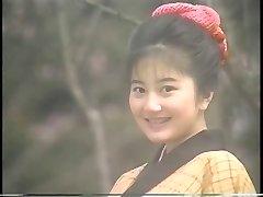 吉岡真由美