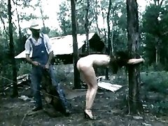 HOM Barnyard Δουλεία