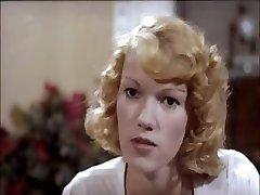 Klassikere klipp av en blond er forskjellige scener av knuller og suger
