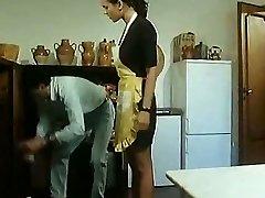 أندريا مولنار المطبخ لأتناول
