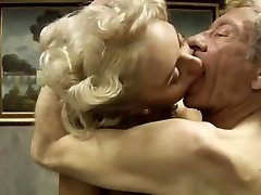 Taliansky klasický porno .Bastardi 1