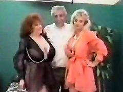 Vintage ΓΓΑ Τρίο Με Ώριμες Γυναίκες