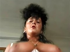 Za profesionalce ONLY17...british Vintage,busty mature