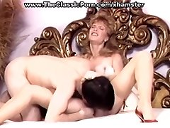 Retro Frau in high heels wild ficken