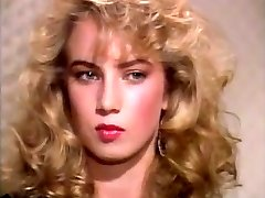 Traci Lords Luvs Yellow Spunk-pump