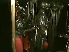 Rubbersessie bij klubi DOMA