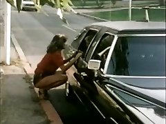 Woman hitchhiker gets limo ride