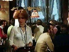 Das Gasthaus zum Scharfen بوك (1977)