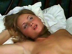 Kuum blond vene naine petmine