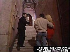 तीन प्रतिभागियों का सम्भोग अल castello!