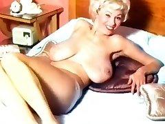 Gruzija Holden - 50's Nudie Cutie
