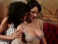 Жанна Файн и Анна Малле сцены лесбиянок