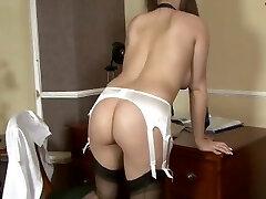 Schoolgirl Cherry Blush plays in antique panties