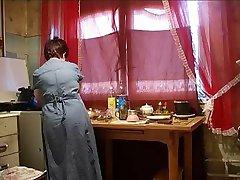 سکس با مامان در آشپزخانه