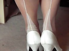 Solo nylons show
