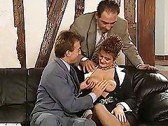 Dame allemande baisée par deux gars