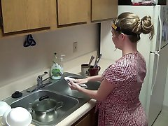 pregnant - hoot girl whit huge bell get hipnoze