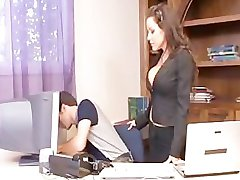 Peituda Office Milf parte 2