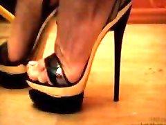 خانم نادیا - فلز کفش پاشنه بلند